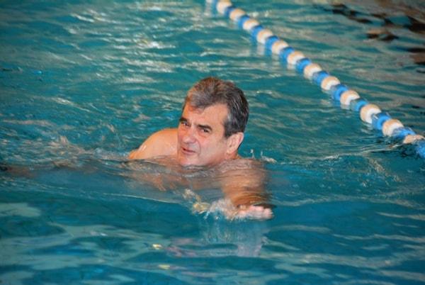 Hoe sterk is de eenzame zwemmer…